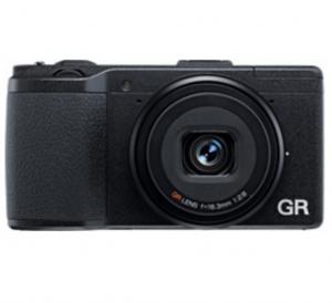 リコーの新しいコンパクトデジタルカメラ「GR」の販売店から入荷の連絡がきました