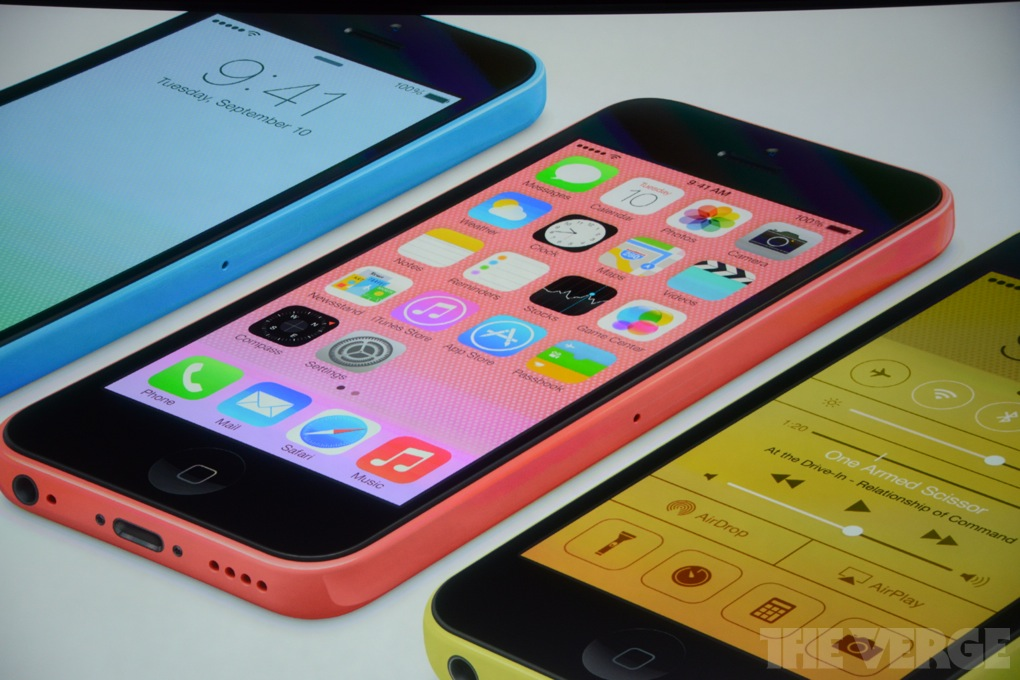 Apple、iPhone 5C を発表