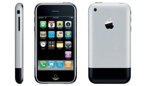 2007年初代iPhoneの発売を横目に、私が当時使っていた携帯電話たち