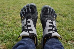 【レビュー】ビブラムファイブフィンガーズの裸足の感覚を味わったら、普通のスニーカーにはもう戻れない。