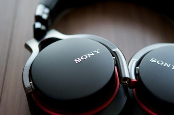 【レビュー】ソニーのヘッドホンMDR-1RMK2は装着感最高!スマホに対応。音質もよし!