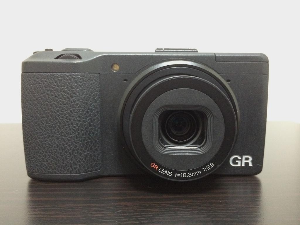 リコーのコンパクトデジタルカメラ GR (2013年) の設定を初期化して、工場出荷状態にする方法