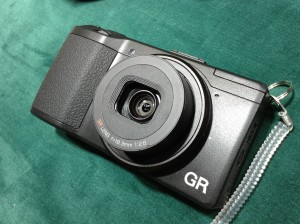 「GR」のカタログがまるで写真集のような件