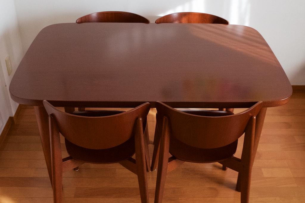 リクルートの運営する家具サイト「TABROOM(タブルーム」に天童木工の家具のオーナーズレビューを寄稿しました