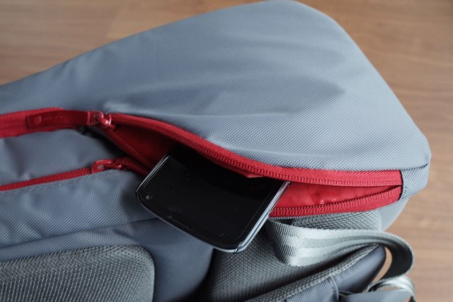 20150121Incase_ICON_Slim_Pack_Backpack26