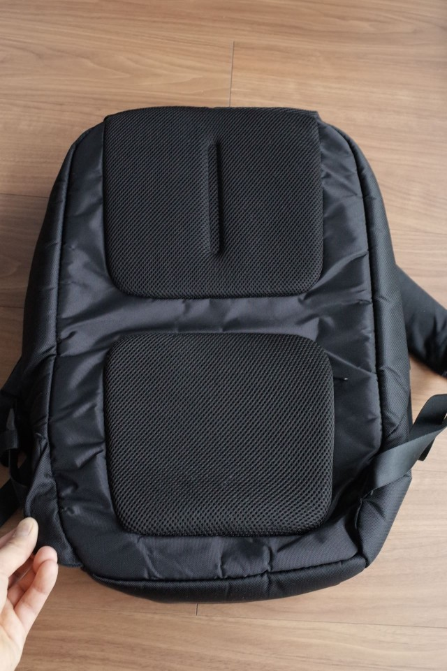 20150121Incase_ICON_Slim_Pack_Backpack34
