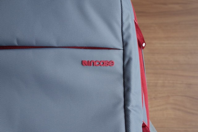 20150121Incase_ICON_Slim_Pack_Backpack4