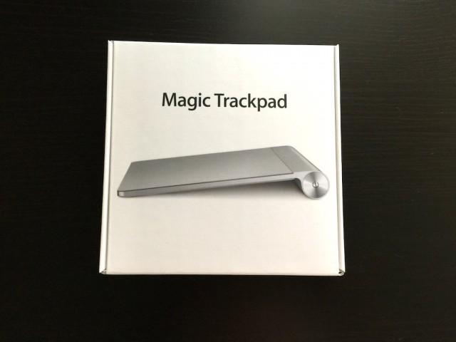 【フォトレポート】Appleの薄型軽量ノート型パソコン、MacBook ゴールドモデル