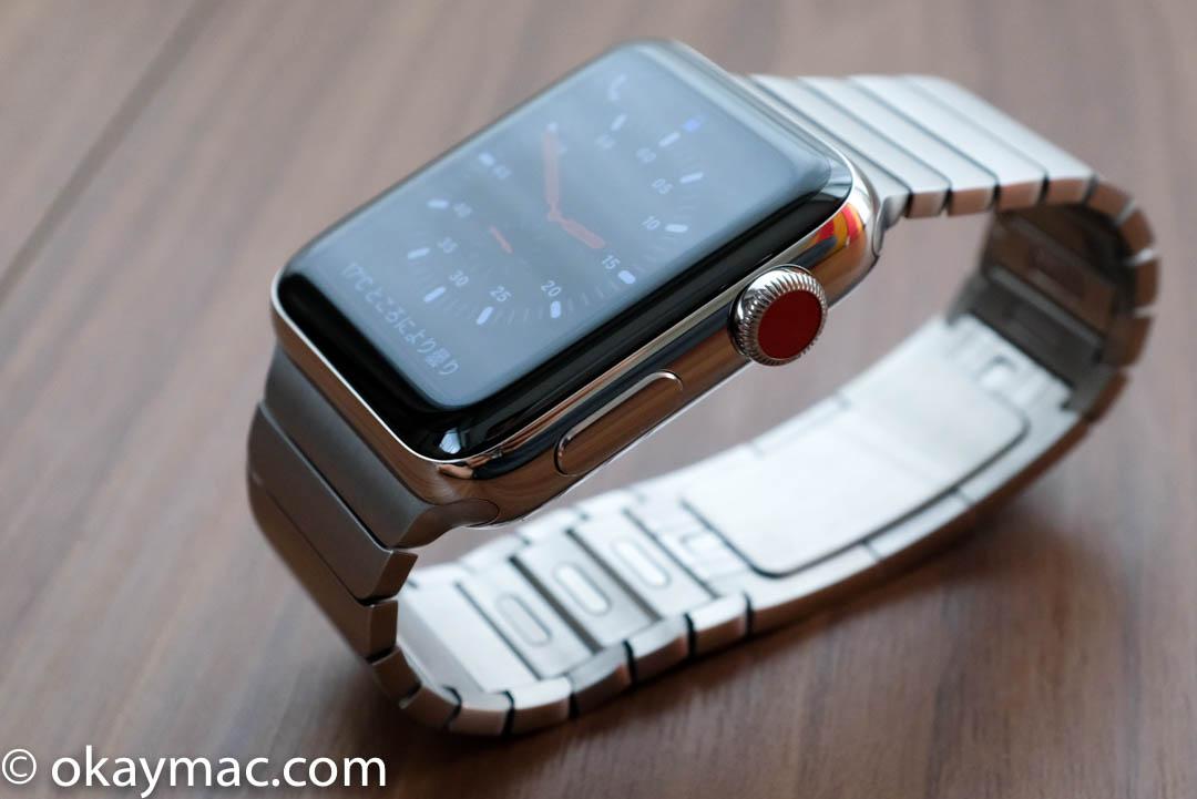 eed364cab7 最新のwatchOS 4を搭載したApple Watch 3は、高速なS3チップを搭載。ディスプレイはSeries  1に比べて2倍明るくなって見やすくなり、バッテリー性能も向上しています。
